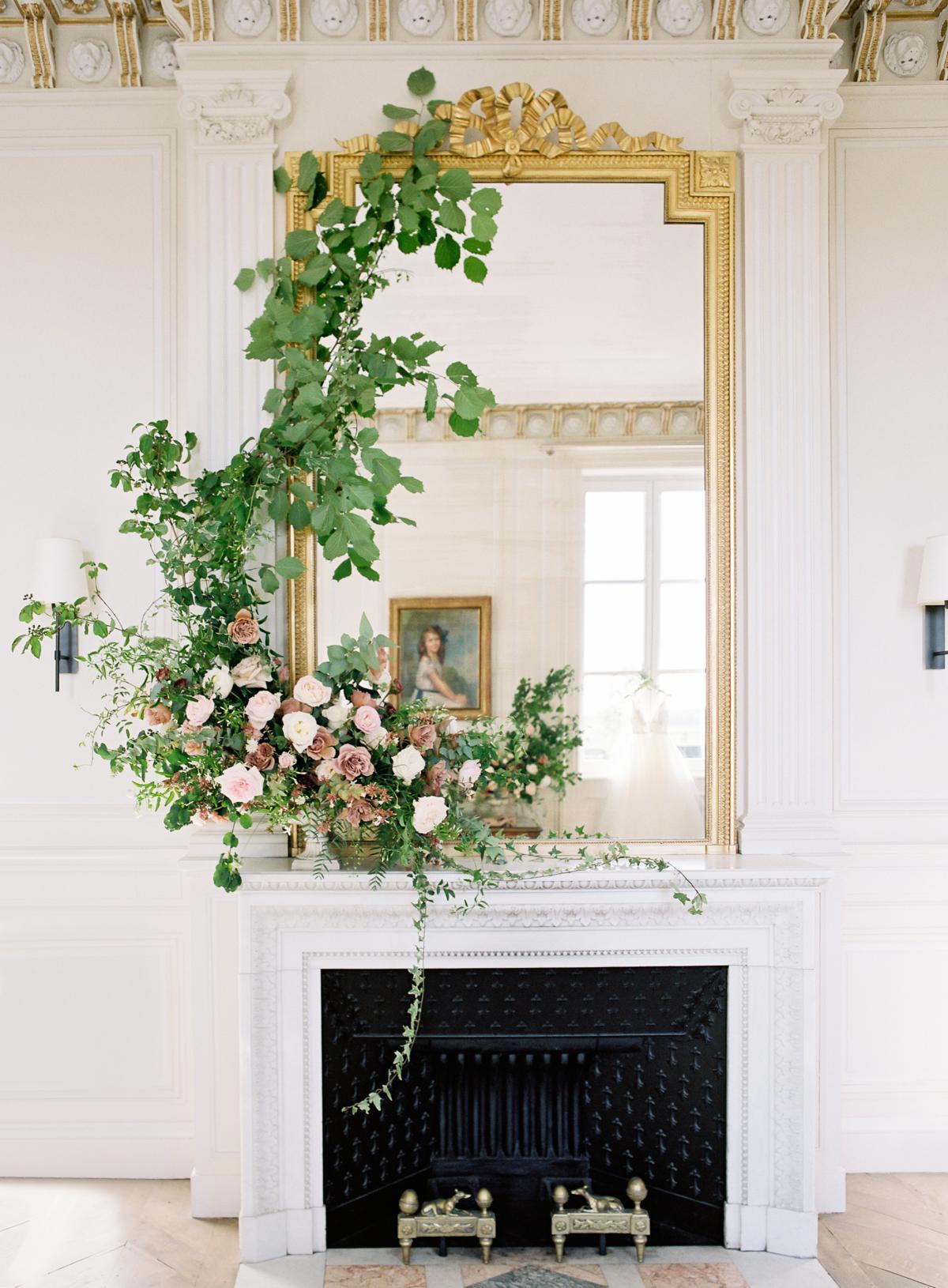 Chateau De Varennes Sinclair And Moore Wedding 0004