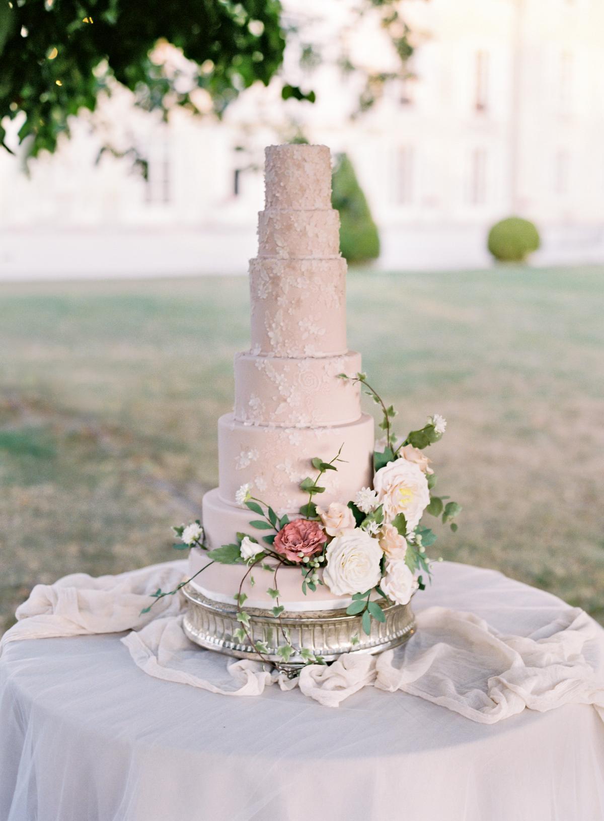 Chateau De Varennes Sinclair And Moore Wedding 0100