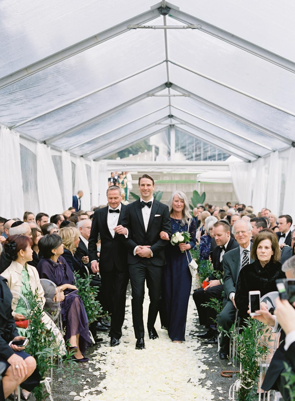 Downtown Seattle Emerald Green Wedding 0026