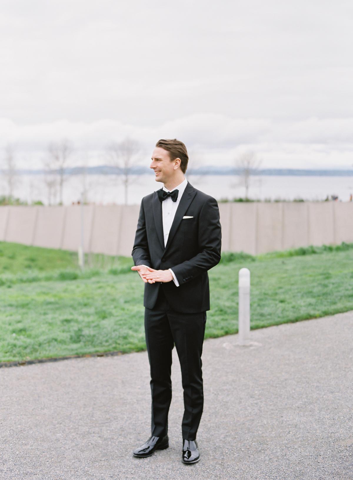 Downtown Seattle Emerald Green Wedding 0008