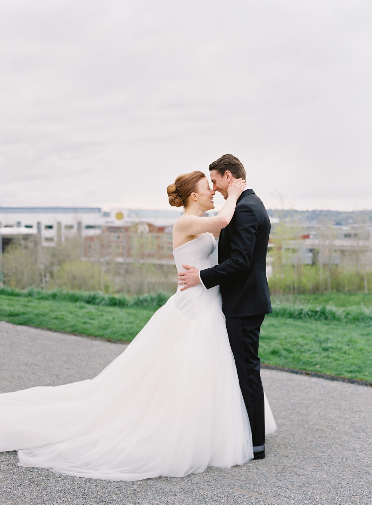 Downtown Seattle Emerald Green Wedding 0011