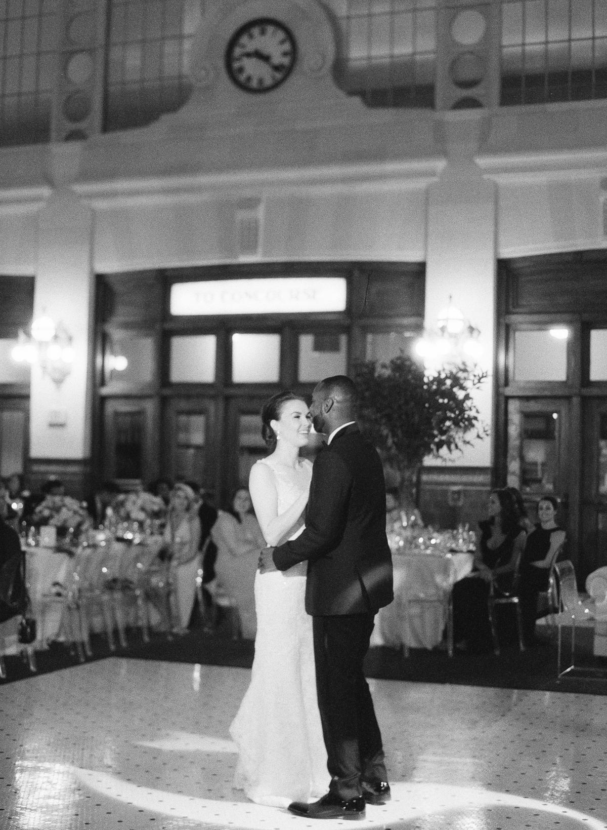 Great Hall At Union Station Seattle Wedding 0039